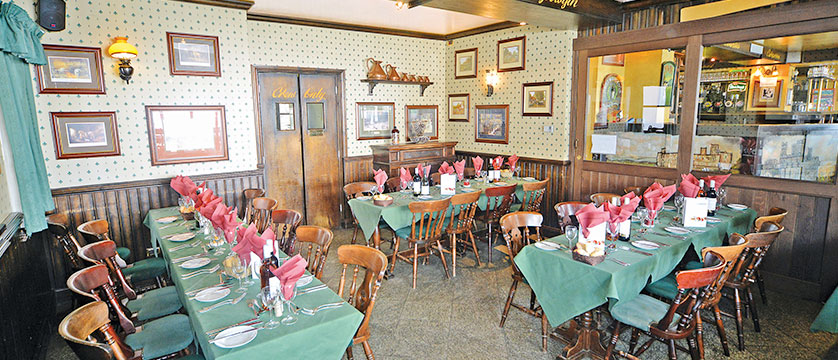 Italy_Cervinia_Chalet-Hotel-Dragon_dining-room3.jpg